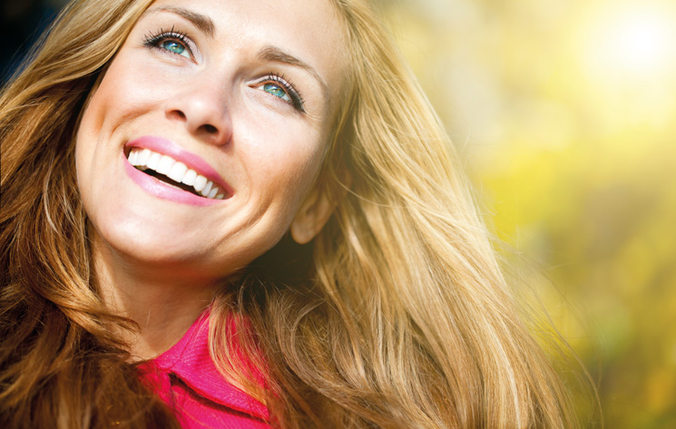 Brighten up your smile with Tooth Whitening in Bromley